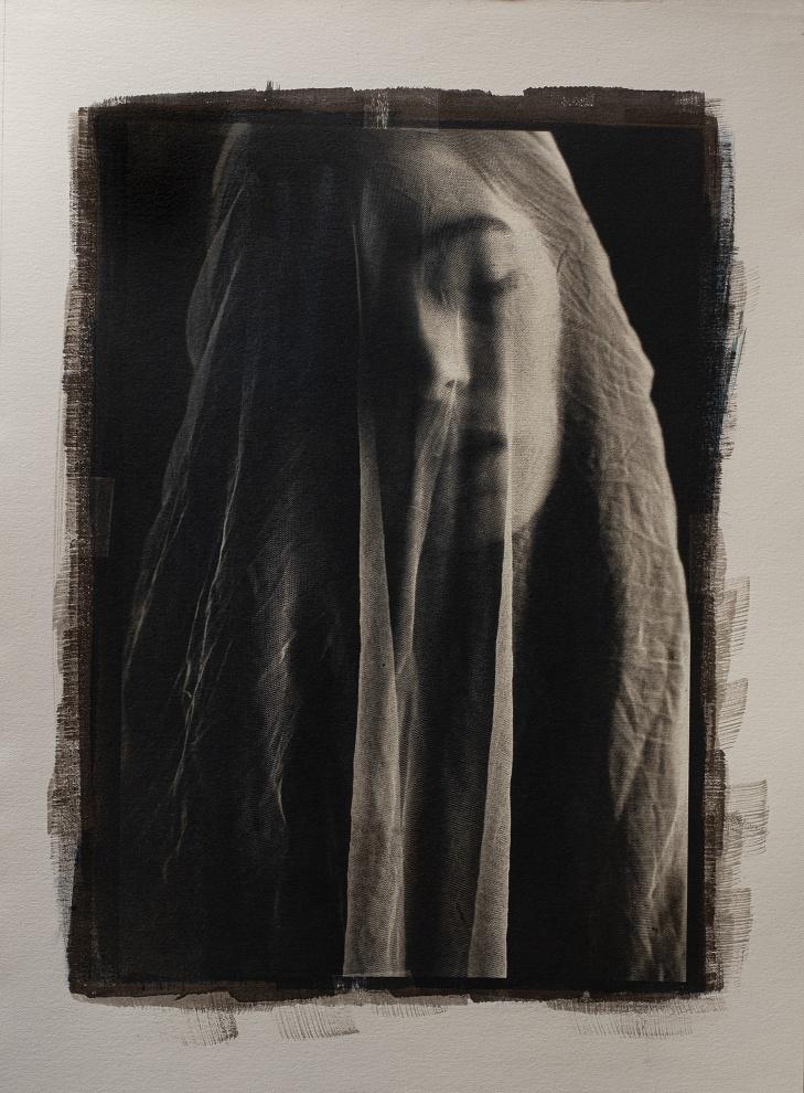 (The mask of pity hides pain and silk textures) - Opera nata subito dopo il periodo di lockdown 2020: Gum over Cyanotype on Fabriano Artistico paper cm31X22