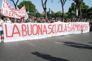 manifestazione studenti medi 10/10/2014