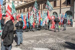 manifestazione cgil-cisl-uil polizia locale provincia e lazio 10/2/2015
