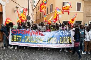Presidio dei sans papiers, migranti, rifugiati e richiedenti asilo a piazza montecitorio 23/4/2015