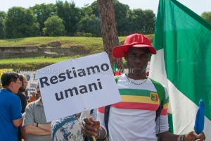 """""""Fermate la strage subito!"""" piazza del Colosseo 20/6/2015"""