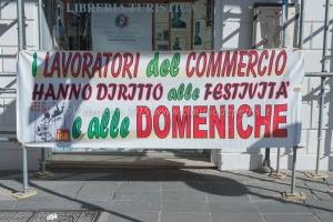 """""""No al lavoro obbligatorio domenicale"""", 1/11/2015"""
