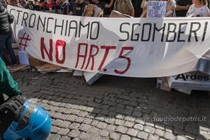 Manifestazione dei movimenti per il diritto all'abitare in Campidoglio, 12/5/2016