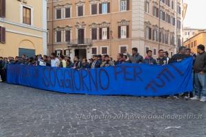 Immigrati manifestano a Piazza di Montecitorio, 14/3/2017