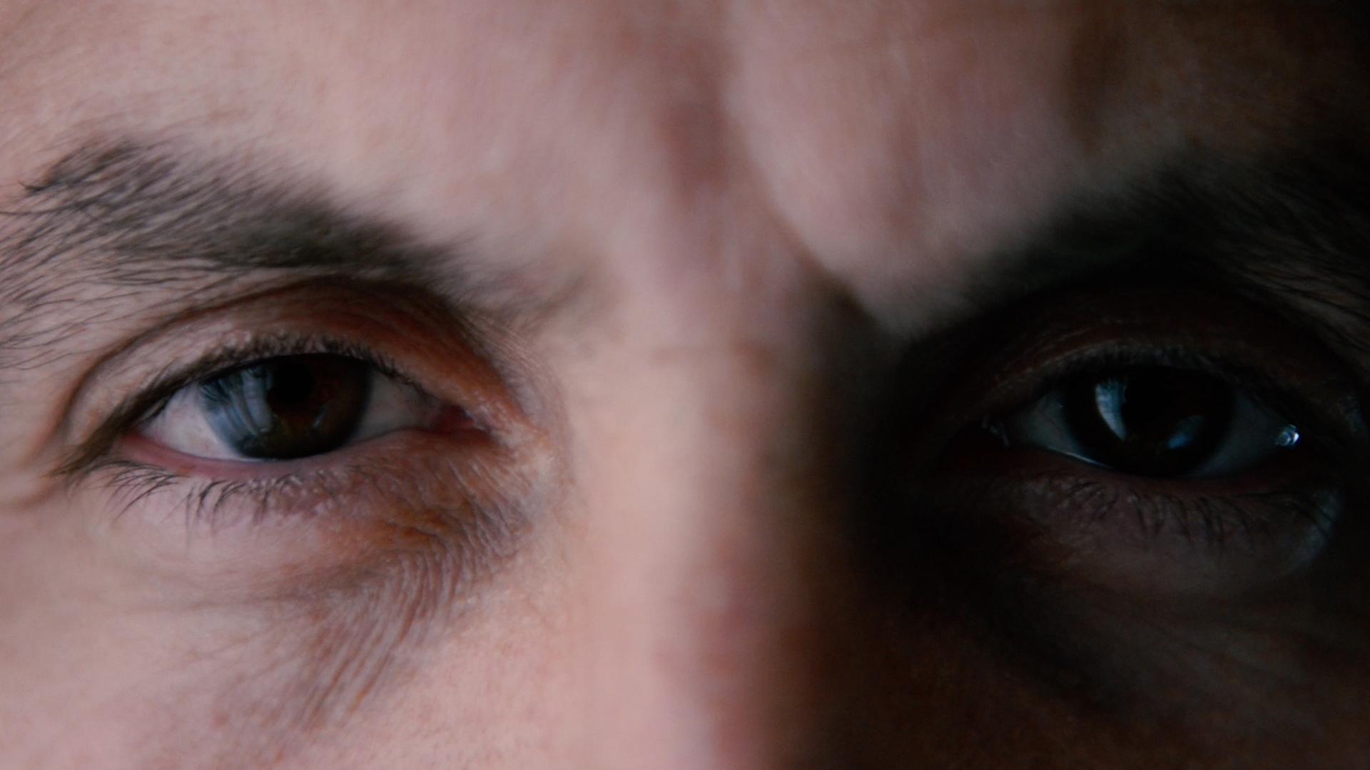 Volti dal Profondo, Documentario Volti dal Profondo - Regia Flaminio Muccio | Le sue opere toccano le corde più profonde della nostra anima, sono introspettive, ma anche di diretta e indiretta partecipazione agli