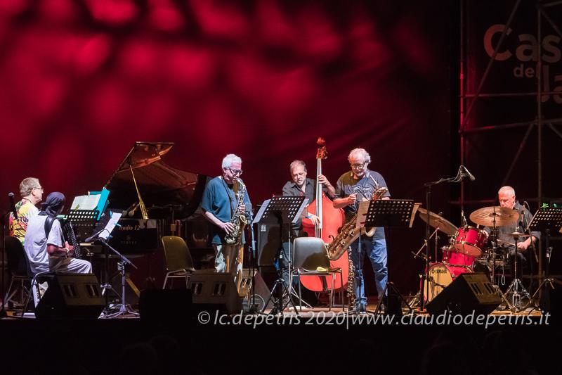Riccardo Fassi al piano(S), Antonello Salis, Sandro Satta, Steve Cantarano, Tarquinio Sdrucia, Pietro Iodice
