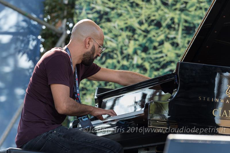 Il jazz italiano per Amatrice, 4/9/2016 Kekko Fornarelli piano solo