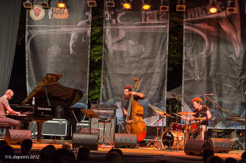 fabio giachino trio - fara music festival - fara sabina 31/7/2012 - fabio giachino piano, davide liberti contrabasso, ruben bellavia batteria