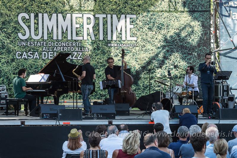 Enrica Zanisi piano, Gianni Savelli sax, Luca Pirozzi contrabbasso, Alessandro Marzi batteria