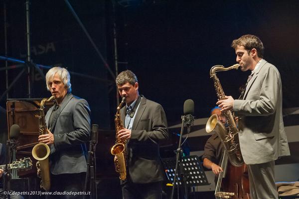 "grant stewart, dmitry baevsky, alex offman  ""saxophone summit"" casa del jazz 2013"