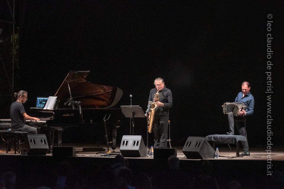 Alessandro Gwis (D), Javier Girotto, Gianni Iorio