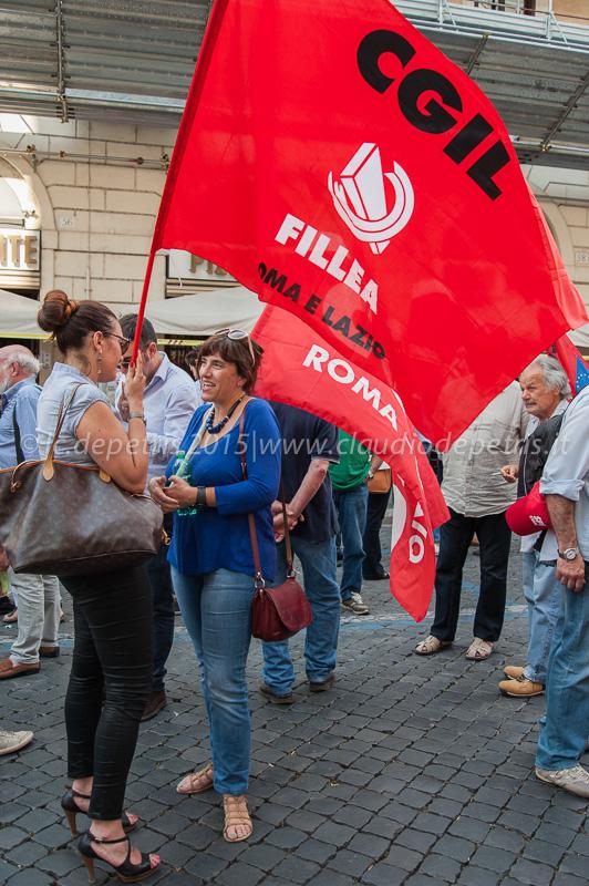 """Manifestazione CGIL CISL UIL in piazza S.S. Apostoli contro """"mafia capitale"""""""