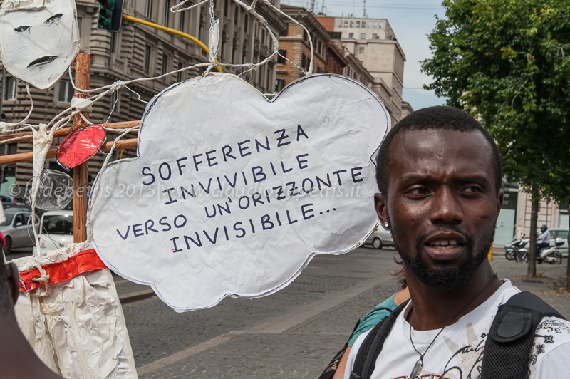 Migranti on the road, piazza dell'Esquilino 16/6/2015