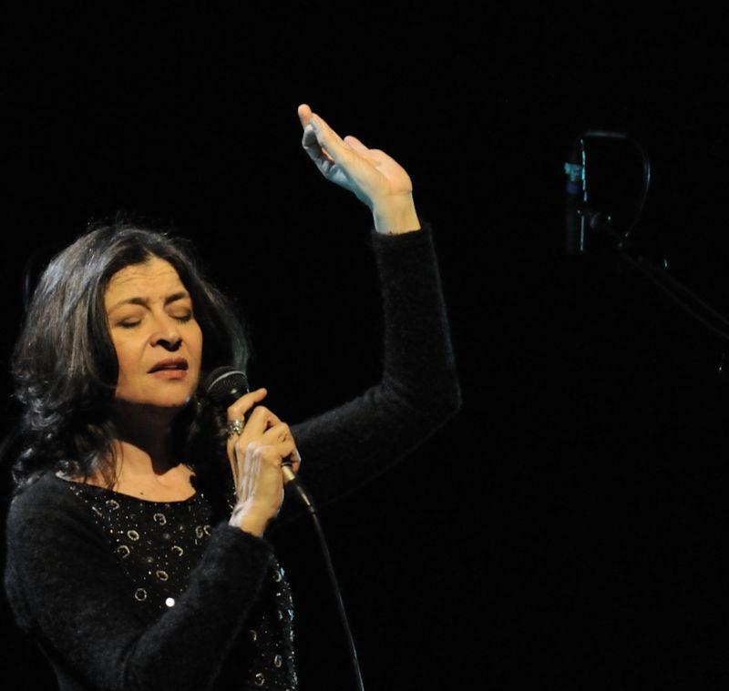 """maria pia de vito """"o pata pata"""" - Auditoriun parco della musica 22/2/2012"""