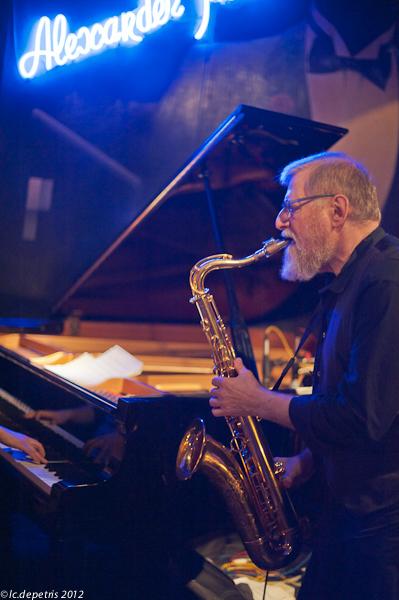 lew tabackin alexander platz 30/3/2012 - lew tabackin tenor sax e flauto, giuseppe bassi contrabbasso, helen sung piano, gasper bertoncelj batteria