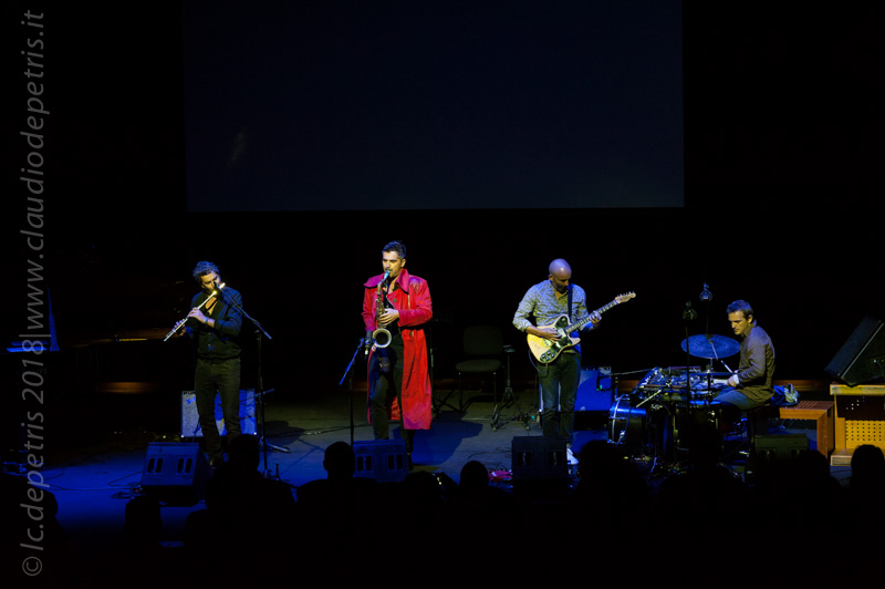Joce Mienniel flauto, Sylvain Rifflet sax, Philippe Giordani chitarra e Benjamin Flament percussioni